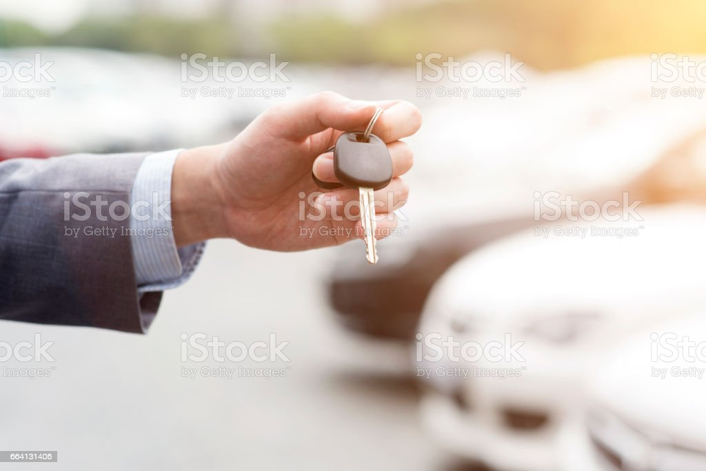 Hand with car key foto stock royalty-free
