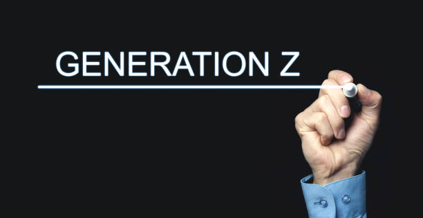 画面で世代 z を書くペンで手。 - gen z ストックフォトと画像