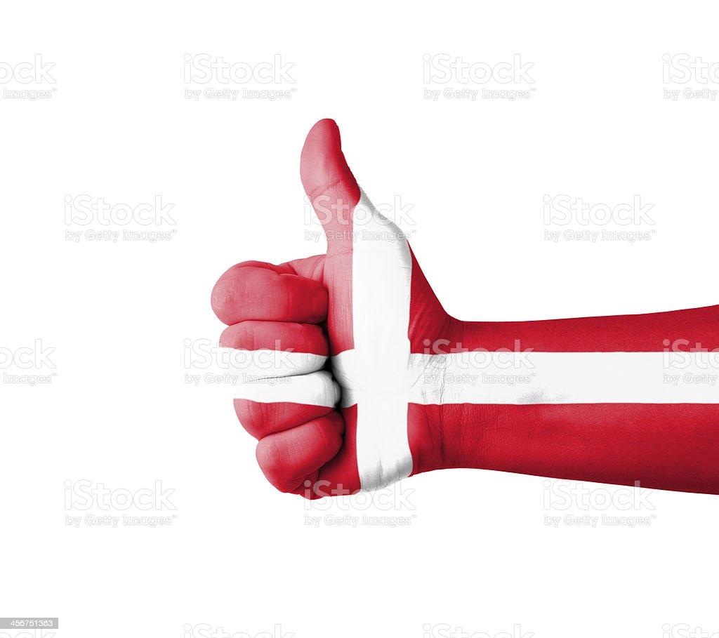 Mano con Botón pulgar levantado, Dinamarca bandera pintado - foto de stock