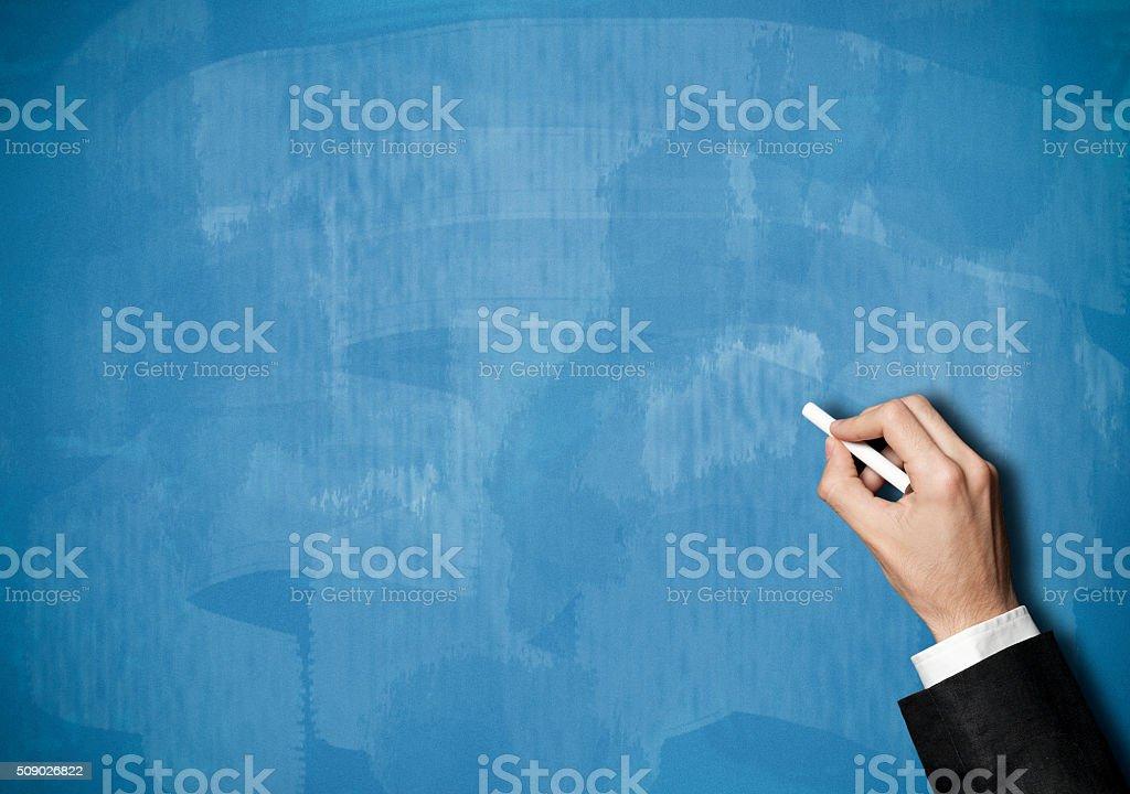 Mano escribir sobre blueboard (Haga clic para obtener más información - foto de stock