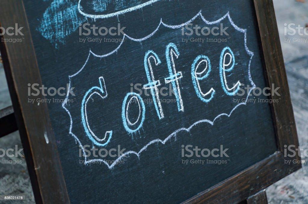 Handschriftliche Kaffee Botschaft gegen die Tafel-Konzept. – Foto
