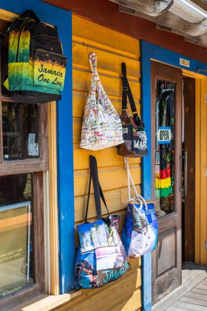 Handtaschen, Rucksäcke, Taschen und andere Jamaica/Rastafari-Waren – Foto
