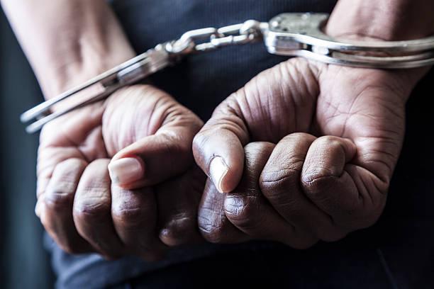 Handcuffed – Foto
