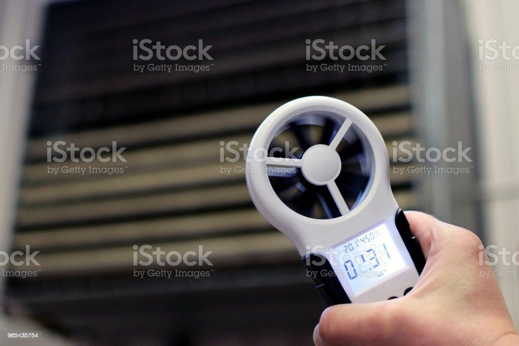 手持風速計 - 免版稅人圖庫照片