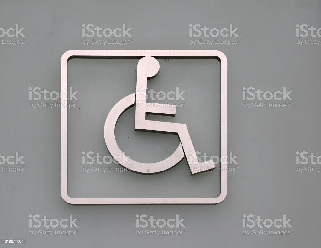 Behinderte markieren Sie an der Tür vor dem Bad deaktiviert. – Foto