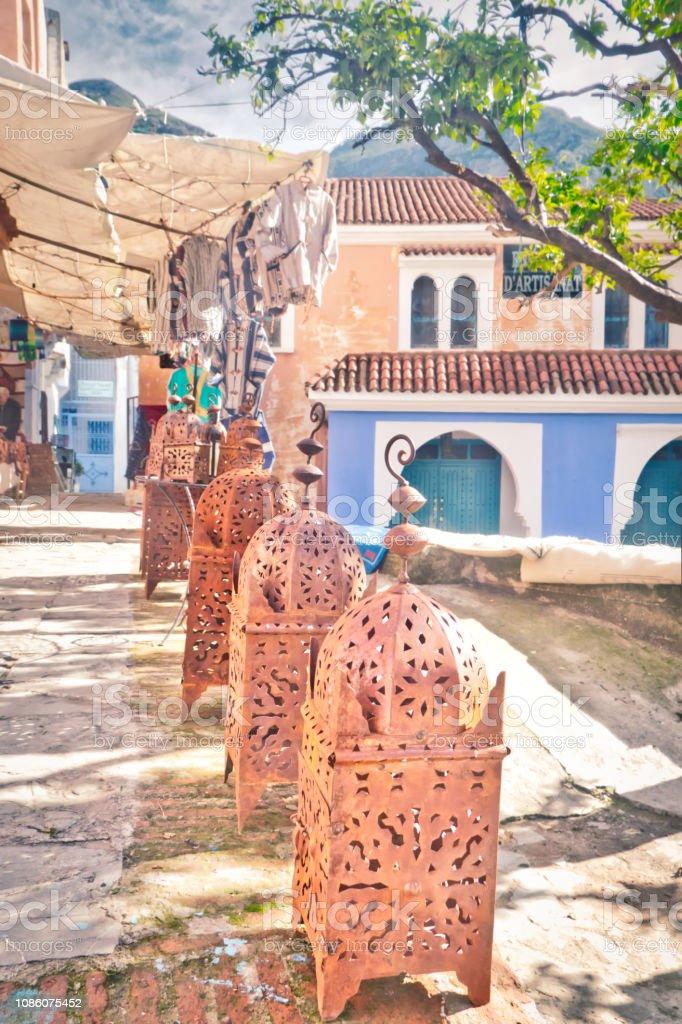 Photo Libre De Droit De Artisanat Stocker Dans Chefchaouen Une Belle Ville Tres Frequentee Par Les Touristes Au Nord Du Maroc Banque D Images Et Plus D Images Libres De Droit De Affaires