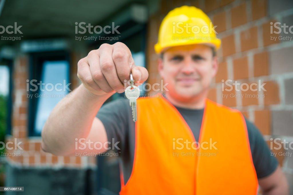 Handing over house keys foto stock royalty-free