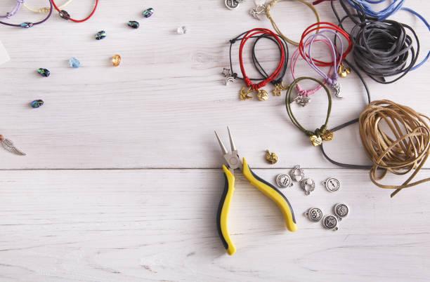 Bracelets faits à la main, faire, travail d'artisan - Photo