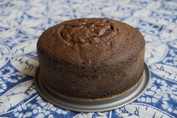 handgemachte schokolade biskuit - schokoladen biskuitkuchen stock-fotos und bilder