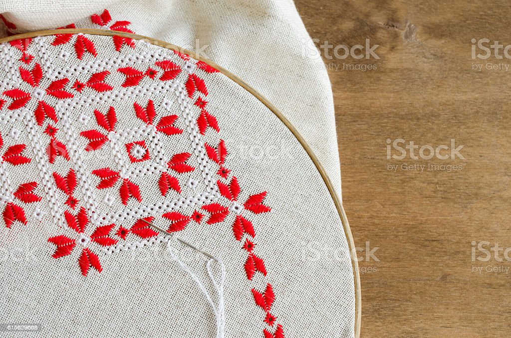 Fotografía de Handmade Embroidery By Red And White Cotton Threads ...