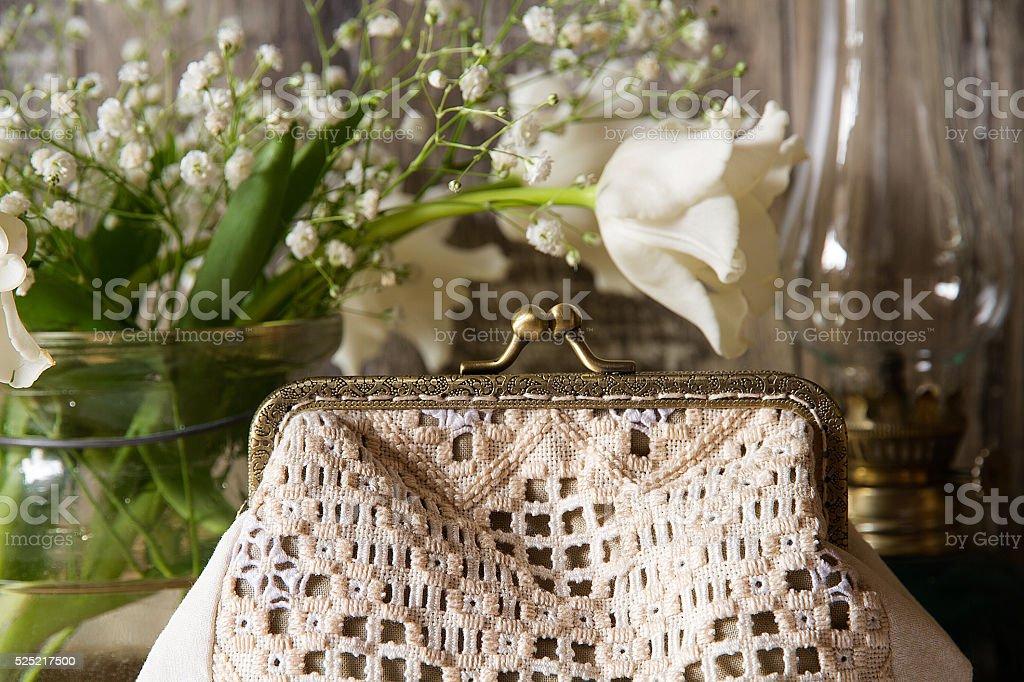 Сумка ручной вышивкой в деревенском стиле с стоковое фото