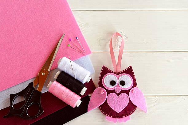 handmade felt owl - diy eule stock-fotos und bilder