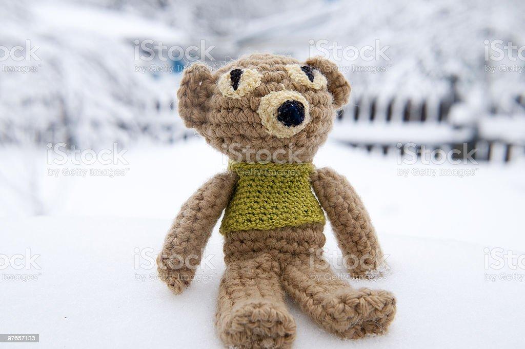 Manualidad knitten oso de juguete - foto de stock