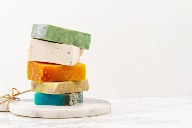 Handmade natural soap, eco friendly spa, beauty skincare concept. Small business, ethical shopping idea. Soap and dry shampoo bars packed in plastic free Handmade natural soap, eco friendly spa, beauty skincare concept. Small business, ethical shopping idea. Soap and dry shampoo bars packed in plastic free, natural gift wrap, zero waste presents composition stock pictures, royalty-free photos & images