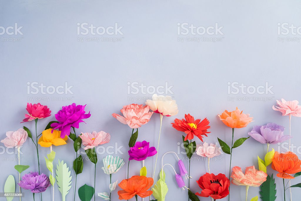 Papier fait à la main des fleurs  - Photo