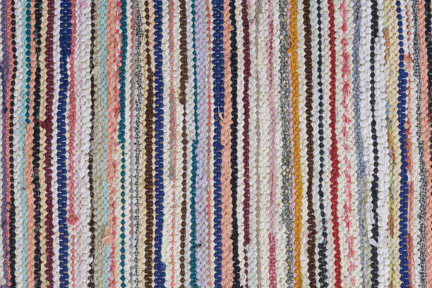 handgemachte flickenteppich - hausgemachte teppichreiniger stock-fotos und bilder