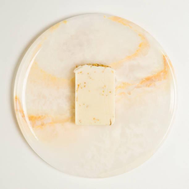 savon à la main sur la surface de marbre - Photo