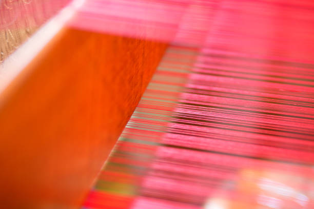 handgemachte weberei gewebten stoff abstrakte textur hintergrund als kunstdesign - teppich baumwolle stock-fotos und bilder