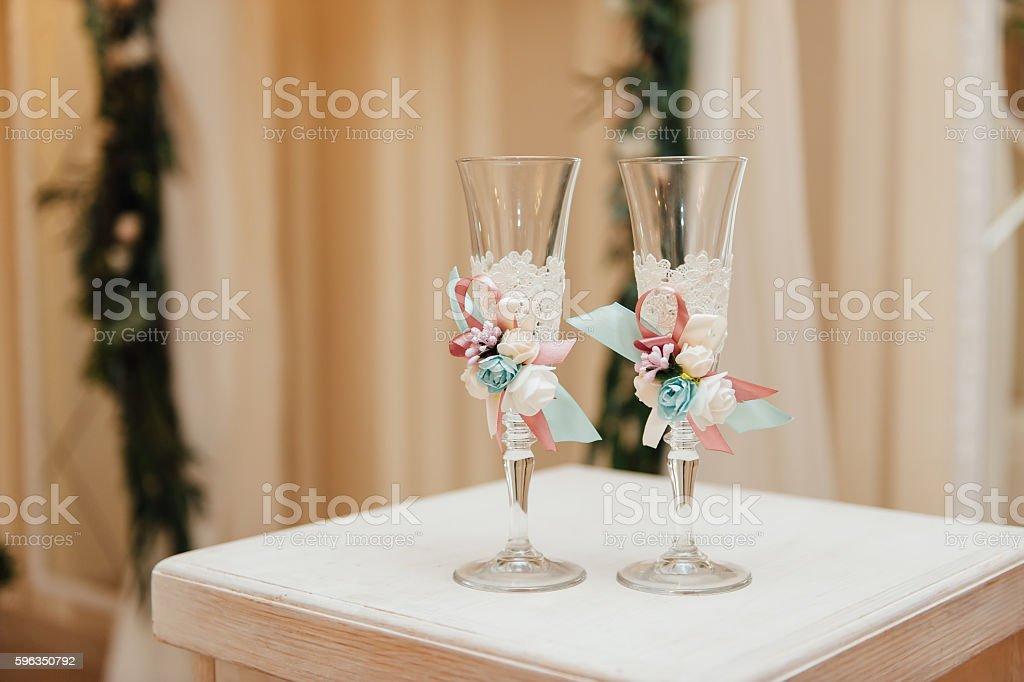handmade wedding glasses Lizenzfreies stock-foto