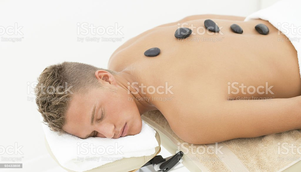 Handome guy erste spa-Behandlung Lizenzfreies stock-foto