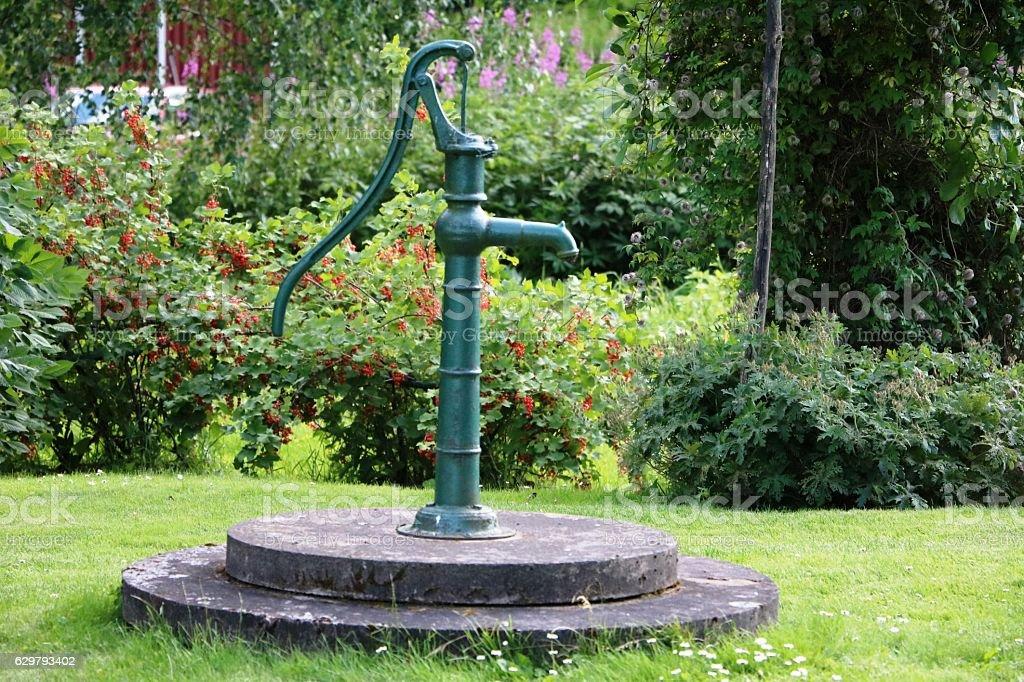 Hand-operated water pump in Sweden, Scandinavia – Foto