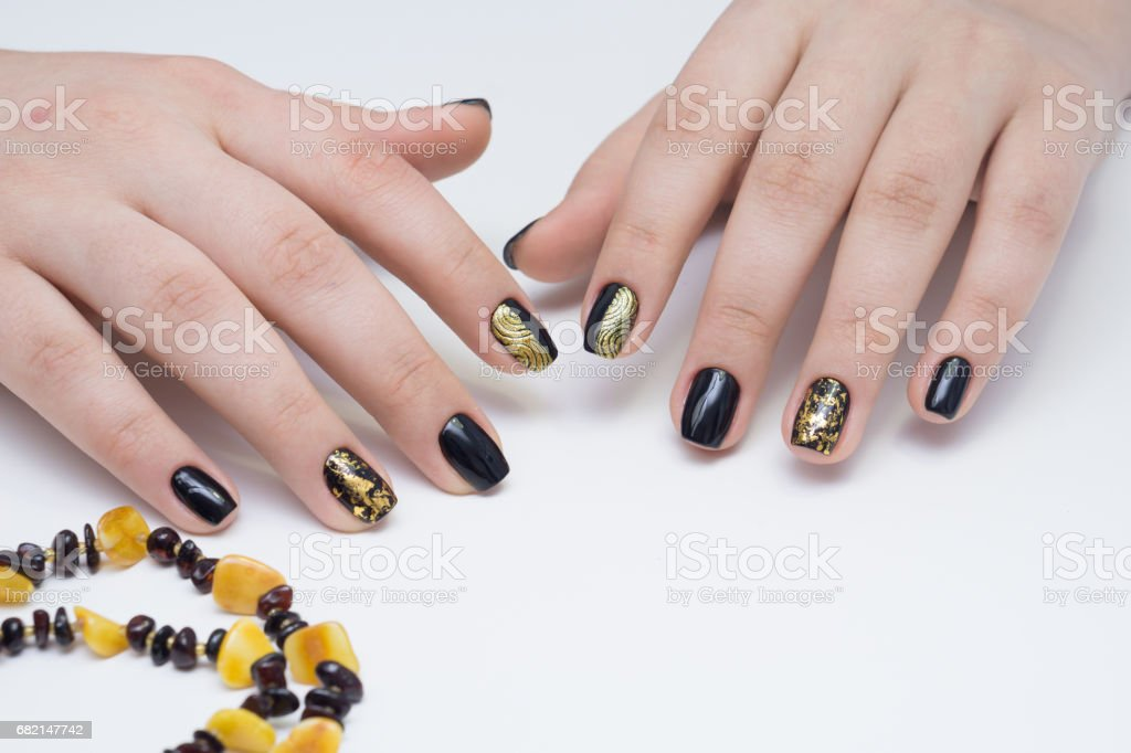 Manos Y Uñas Naturales Manicura Limpio Ideal Decorada Con