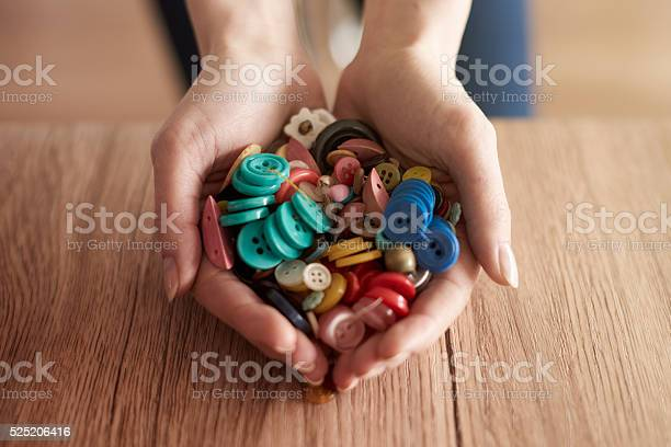 Hands full of colorful buttons picture id525206416?b=1&k=6&m=525206416&s=612x612&h=xdlgbiizb8vqx5begua bgf vzjqn1kwbxamr tspo0=