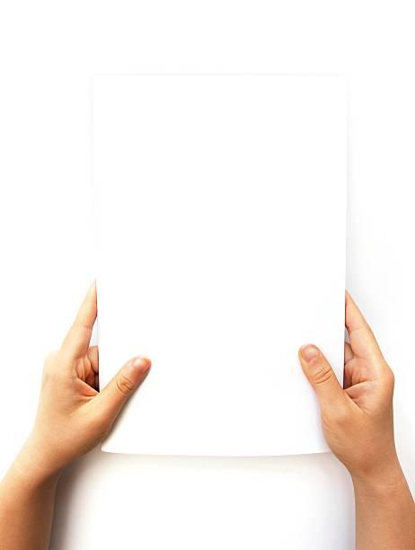 Hand Holding leere Dokument – Foto