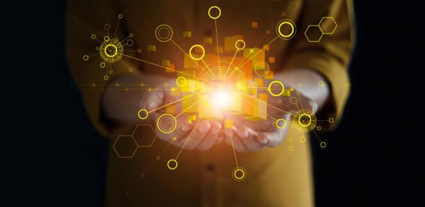 küresel ağ bağlantısı tutan eller. blockchain teknolojisi. veri alışverişi. büyük veri akışı fütüristik, bağlama, bulut bilişim, internet iletişimi ve sosyal medya. - samimi olma stok fotoğraflar ve resimler