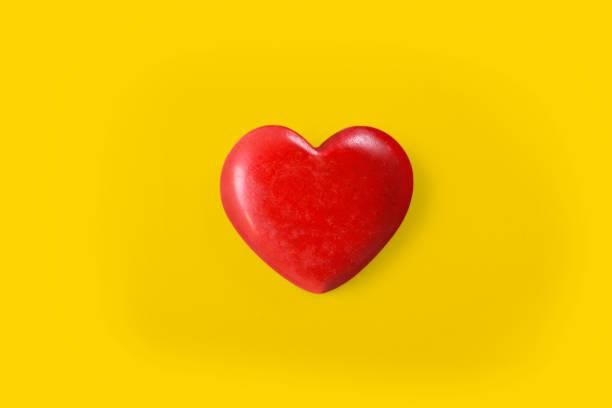 Hände mit rotem Herzen, Herzgesundheit und Spendenkonzepten – Foto