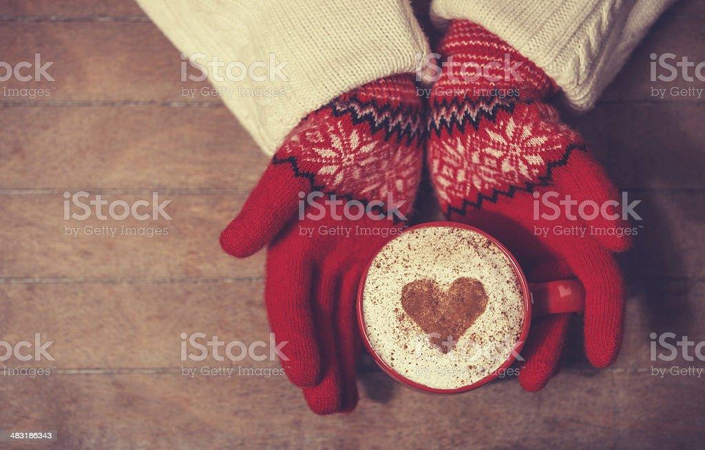 Картинки по запросу кофе , руки в перчатках