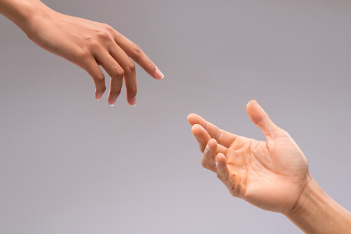 Flirten hand aanraken