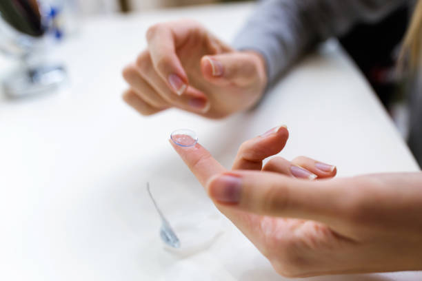 Hands of young woman holding one contact lenses before putting on picture id1087286444?b=1&k=6&m=1087286444&s=612x612&w=0&h=brmxjwu fx78hsdxbrk3desjcifvdxygbvpdquly70o=