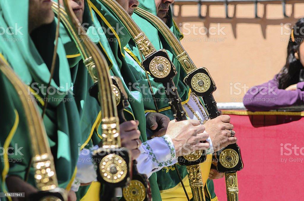Manos en las espadas - Photo