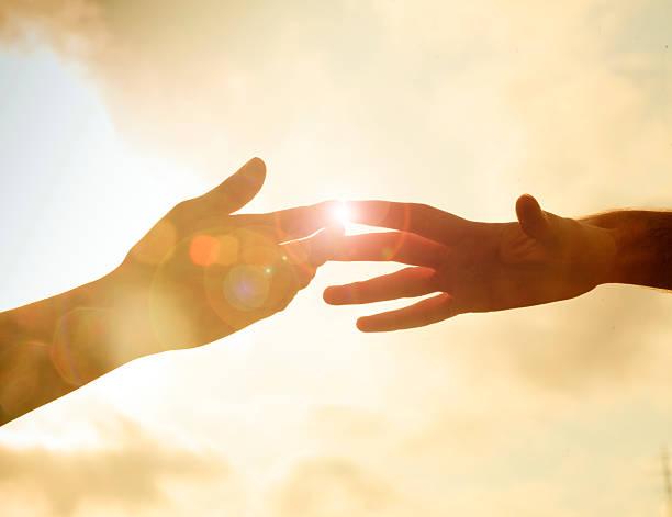 le mani - mano donna dita unite foto e immagini stock