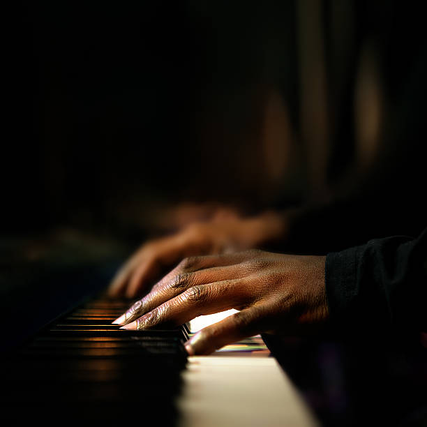 Hands playing piano close-up Hands of pianist playing synthesizer close-up pianist stock pictures, royalty-free photos & images