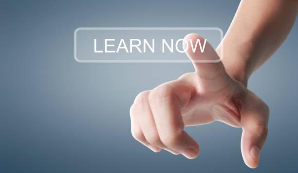 Hände berühren Taste Bildschirm Schnittstelle globale Verbindung Kundennetzwerk – Foto