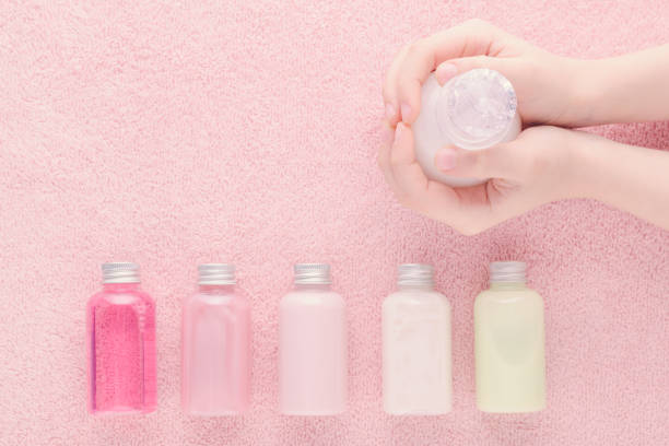 Hands with a bottle and natural cosmetic bottles shampoo lotion gel picture id1199932122?b=1&k=6&m=1199932122&s=612x612&w=0&h=rwl9jz6nn9rxg8cn u82b0tl2boc8bq40hbnfrbqxim=