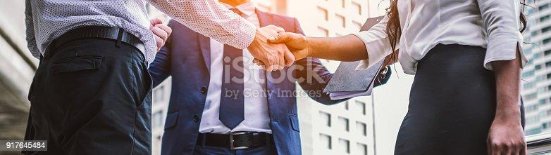 istock handshake of business People 917645484