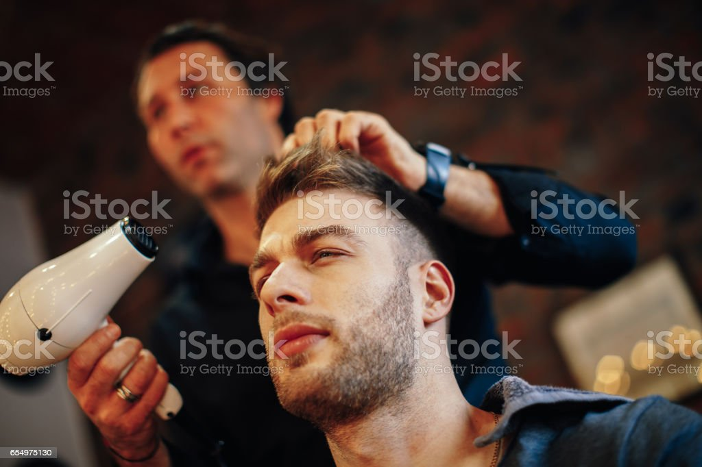 Stupendous Handsome Man At The Hairdresser Getting A New Haircut Stock Photo Schematic Wiring Diagrams Phreekkolirunnerswayorg