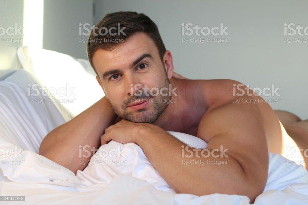 mann 25 jahre nackt