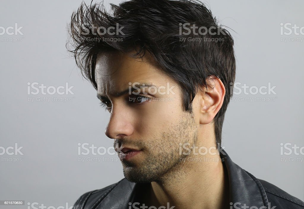 Handsome man with a stylish hair photo libre de droits