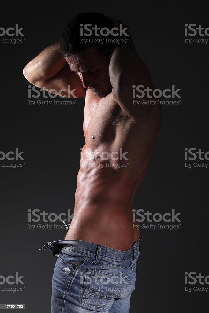 Homem Musculoso bonito - foto de acervo