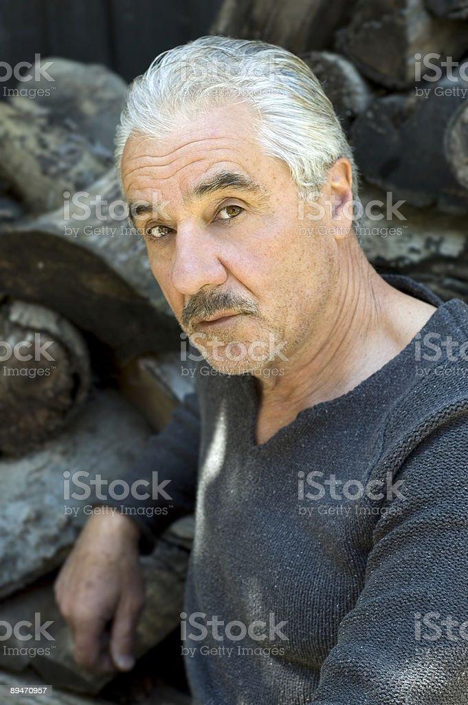 Gut aussehend Senior Lizenzfreies stock-foto