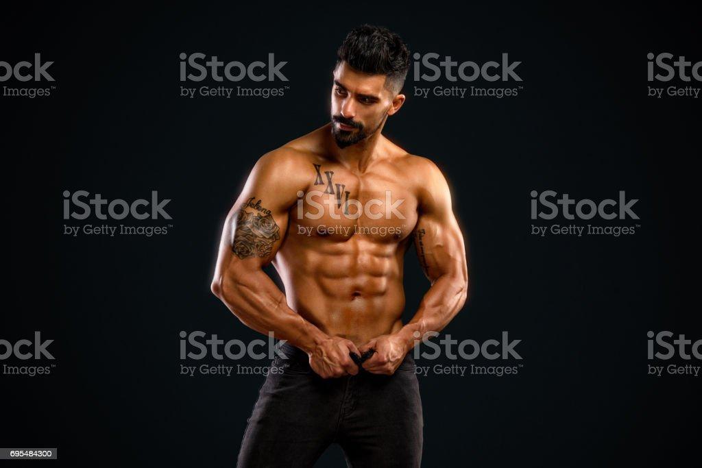 Handsome Shirtless Men in Jeans – zdjęcie