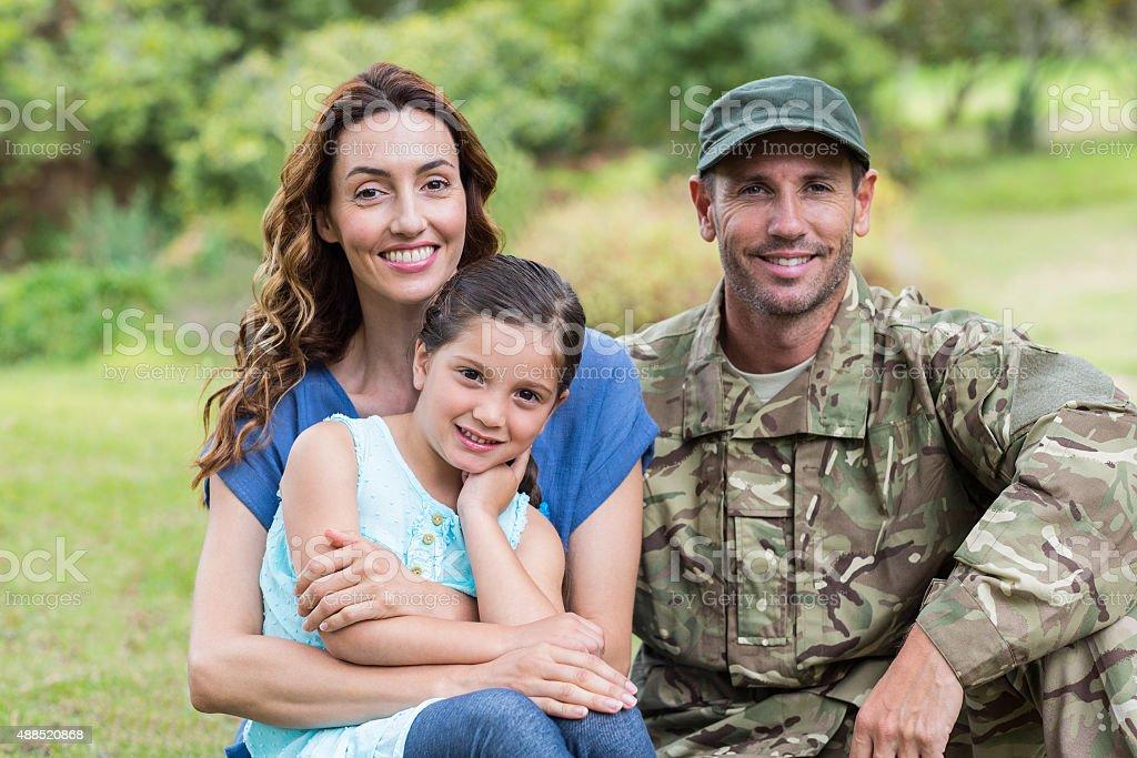 Schöne Soldaten Im Kreise Der Familie Stock Fotografie Und Mehr