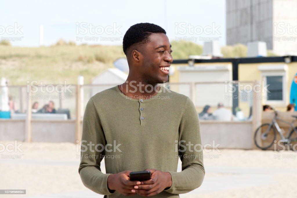 recherche jeune homme noir)