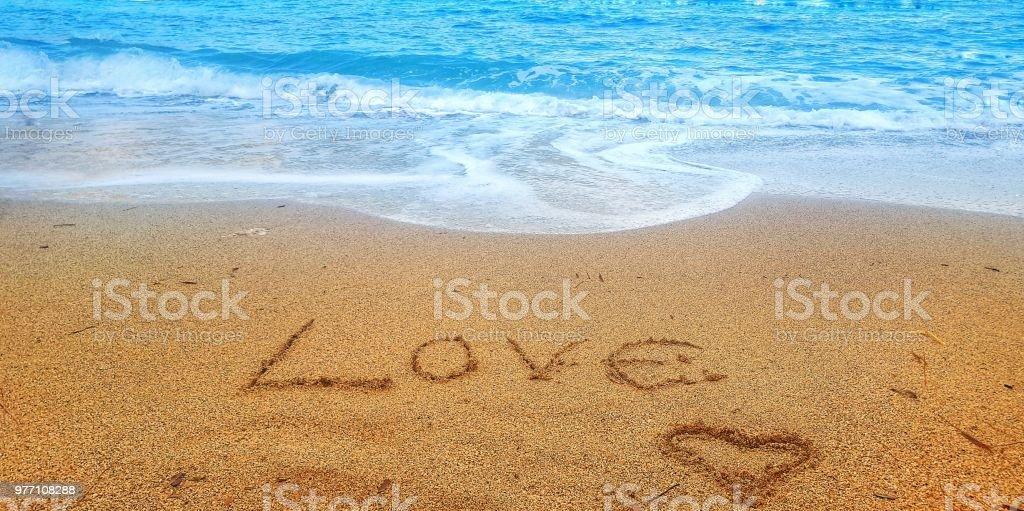 Citaten Schrijven Free : Handgeschreven liefde citaat op zandstrand van zomer roeping