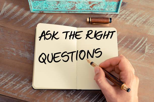 Handgeschriebener Text die richtigen Fragen – Foto