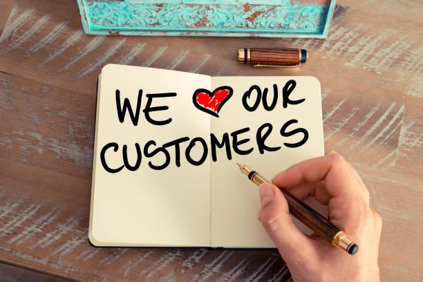 Handgeschriebener Text wir Liebe unserer Kunden – Foto